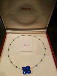 Baccarat crystal flower necklace  Toronto, M6J 1C9