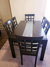 Dining table with 6 chairs - $200 Toronto, M9B 6C4