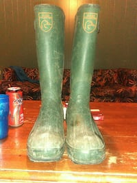 pair of green rubber boots Louisville, 40203