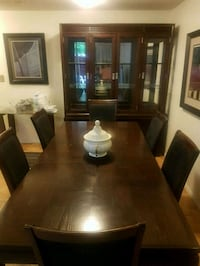 Wooden dining table and chairs Vaughan, M9L 2V1