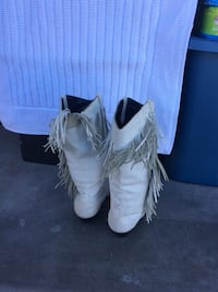 Women's white cowboy boots with fringe size 7