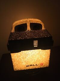 Wall-E lamp  and play set Derry, 03038