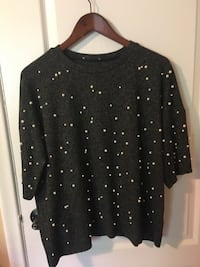 Zara sweater size M color grey with pearls Toronto, M5M 2K7