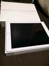 Ipad 9.7 6th gen for SALE! NEW 554 km