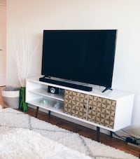 MODERN TV STAND - UP TO 70""