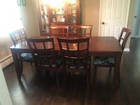 Dining Room Table & Hutch Set Warwick, 10990