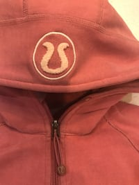 LULULEMON SWEATER 570 km