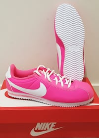 "Baskets ""Nike"" cortez nylon gs pointure 38"