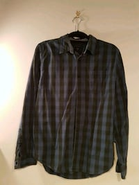 Guess social shirt size M regular fit Vancouver, V5Z 4L8