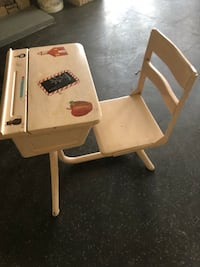 Child's desk  Chapel Hill, 27517