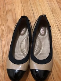 Pair of black leather peep-toe heeled shoes 542 km