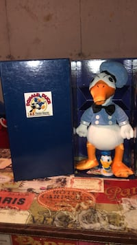 Donald Duck collectable  Ottawa, K1B 3L7