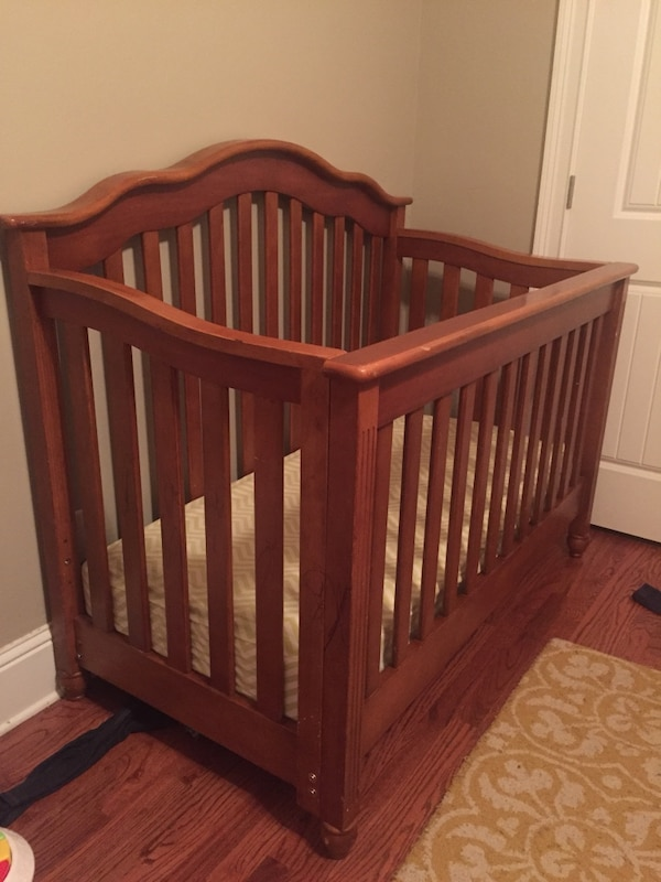 Baby Crib Cherry Wood Color Converts Into Toddler Bed