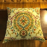 Feather pillow East Aurora, 14052