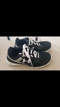 Under armor womens shoes size 8 Surrey, V3T