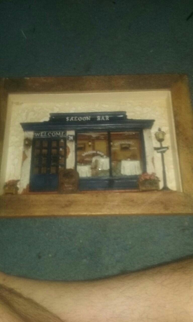 Photo Blue and brown Saloon Bar welcome miniature box