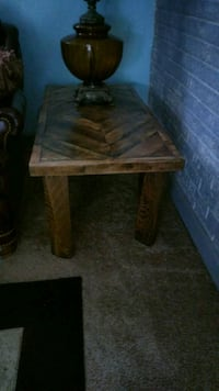 Rustic end table Kannapolis, 28083