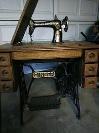 brown and black Singer treadle sewing machine Sacramento, 95827