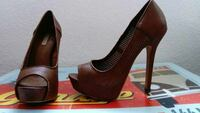 women's pair of brown open-toe pumps Southend-on-Sea, SS2
