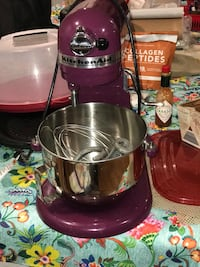 Kitchen aide Mixer. Used. All attachments. 2 years old. Works great   Memphis, 47143