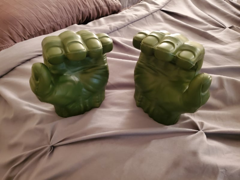 Hulk Gamma Grip Fists 0