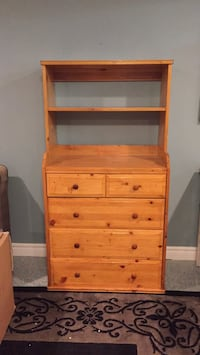 Dresser/Change table/dresser with bookshelf Hamilton, L0R 1P0