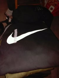 black and white Nike pullover hoodie 3147 km