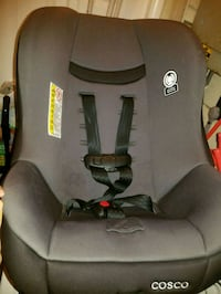 baby's gray and black car seat carrier Leesburg