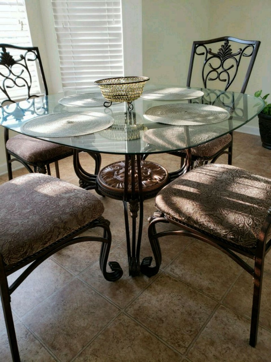 used must go today glass top medal base 4 chairs for sale in rh gb letgo com