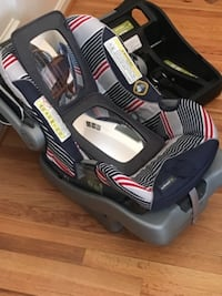 Infant car seat, two bases, two mirrors McLean
