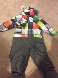 Quick silver snowsuit never worn size 12 months paid 110 for it 39 km