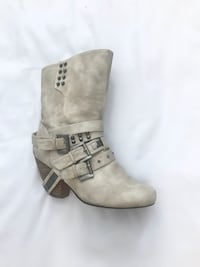 BUCKLE. Women's Cream leather boots