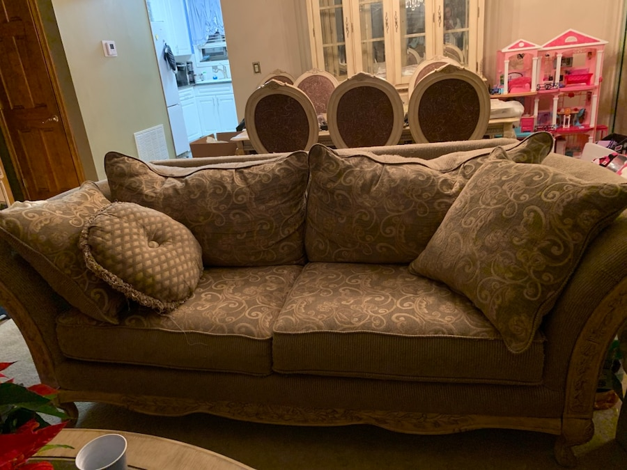 used gold and beige floral 2 seat sofa for sale in new york letgo rh gb letgo com
