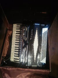 Titano standard 120 bass accordion Kelowna, V1Y 2S5