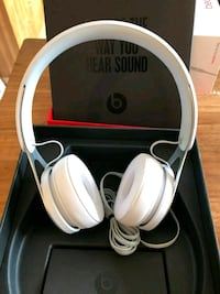 Apple beats by Dre Headphones Pasadena, 21122