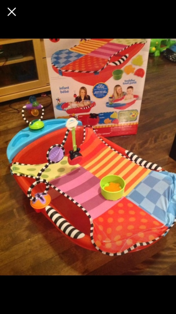 Sassy Bath tub for infant to 2 year old.