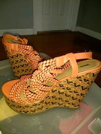 Shoes sandals wedges heels size 10 Capitol Heights, 20743