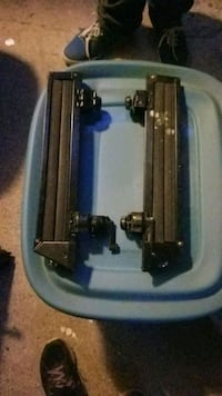 Thule ski/snow board rack Surrey, V3T 1H9