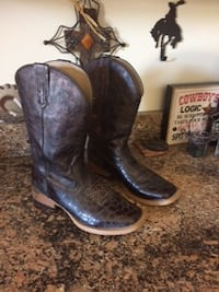 Roper Brown Sq Toe Boot sz9.5 gently  used 17370