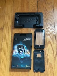Used iPhone 5/5s Fre Lifeproof case Seattle, 98103