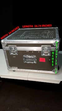 GREAT CONDITION USED ROAD CASE, WITH COMPARTMENTS, FOR SALE Markham