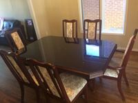 Dining table with Hutch and Buffet set Pickering, L1V 6R1
