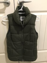 Forest green old navy vest. xsmall, fits like a small
