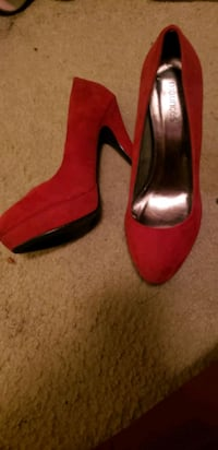 Red heels Tulare, 93274