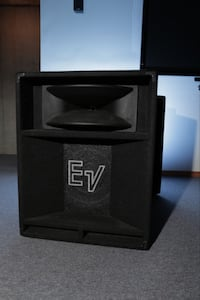 Set of 2-15in EV 2-way horn loaded speakers for PA or DJ system