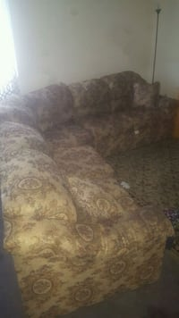 brown and beige floral fabric loveseat Toronto, M1V 1R1