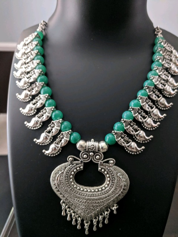 beautiful colored necklace to match your outfit be30d130-0828-4233-b908-4af85530729d