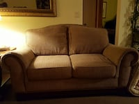 Broyhill Love Seat.  Good condition.  Clean.