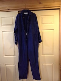 Dark blue coveralls long sleeves with button front USED but in good shape size 44