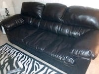 Couch n loveseat like new Peoria, 61615